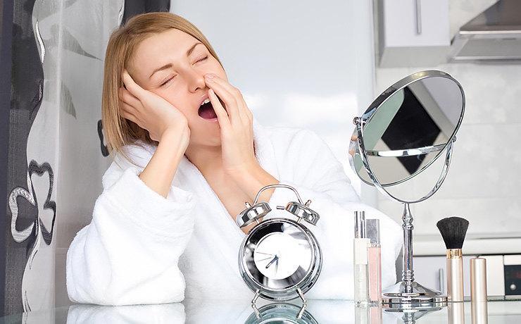 Скорая помощь: как скрыть последствия бурных праздников с помощью макияжа