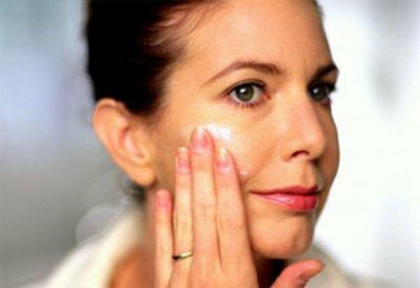 4 мощных антивозрастных средства для кожи лица после 40 лет