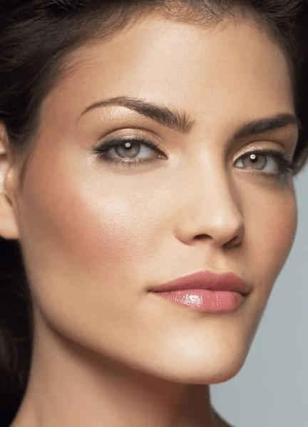 8 секретов в макияже, чтобы выглядеть на 10 лет моложе