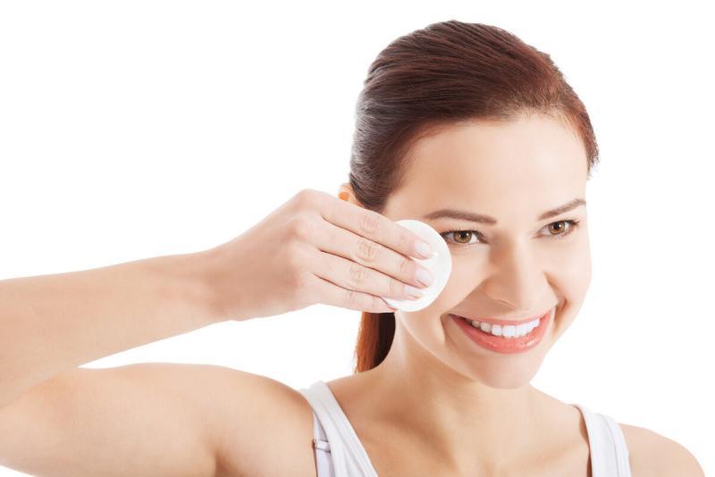 Как правильно очистить лицо