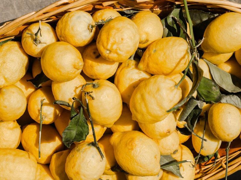 Масло лимона в быту и парфюмерии