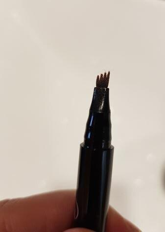 Сделала брови с помощью тату-карандаша, фото результата