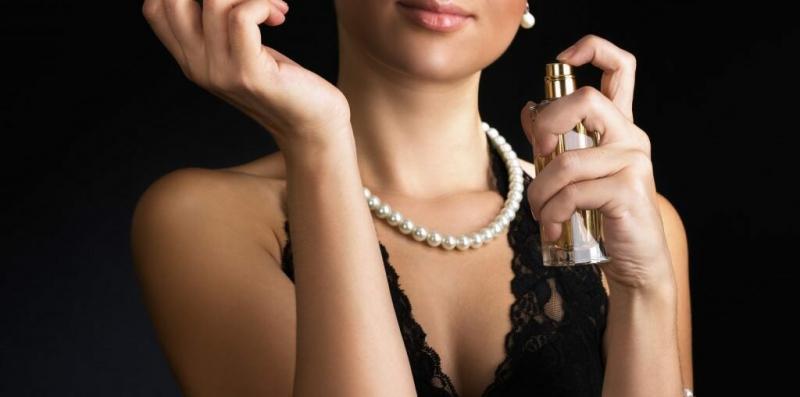 """5 проверенных ароматов, которые пахнут """"дорого"""""""