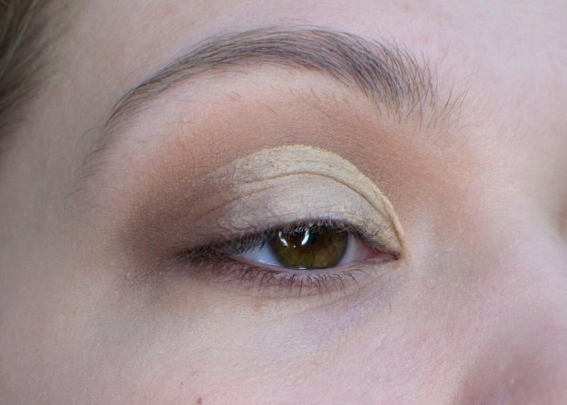 Классический макияж CutCrease на нависшем веке пошагово
