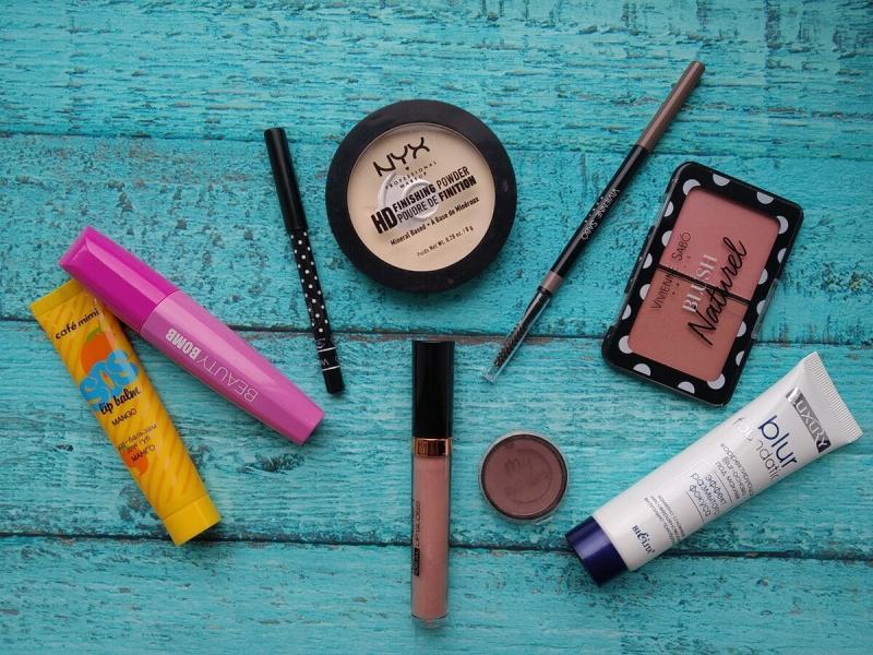 Крутые средства для макияжа до 300 рублей.😍