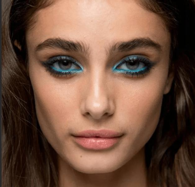 Модные образы и идеи для повседневного макияжа глаз.