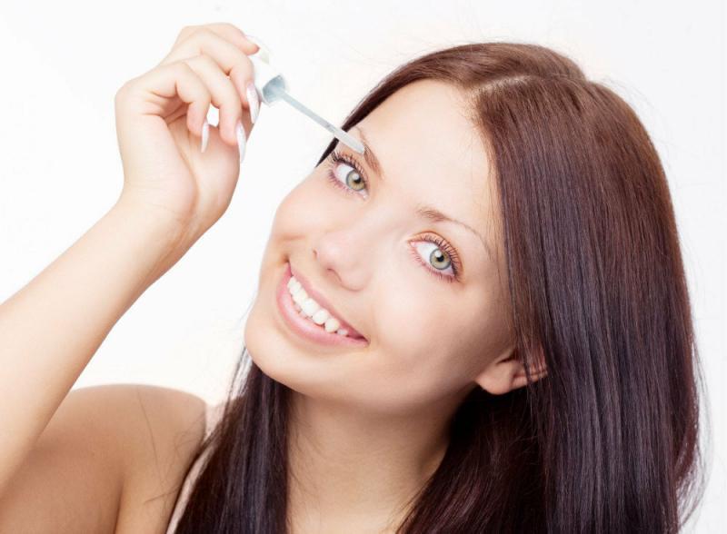Несколько секретов о том, как сделать ваши брови гуще