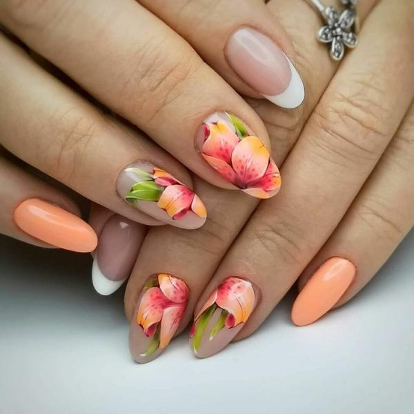 Самый модный маникюр весны - дизайн цветами (фотоидеи)