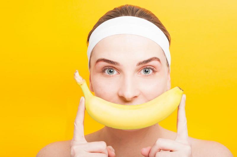 Уход за кожей дома: маски для лица с бананом от морщин.