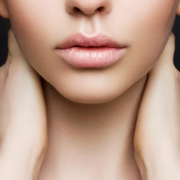 5 простых лайфхаков для красивых губ