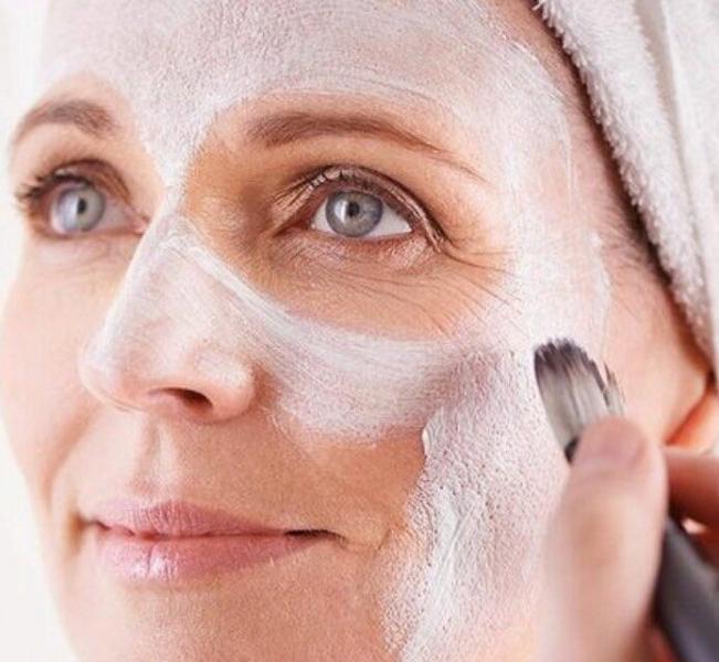Антивозрастная маска для лица из соевой муки