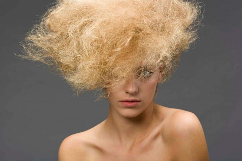 Борьба с сухими волосами