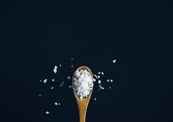 Соль против выпадения волос