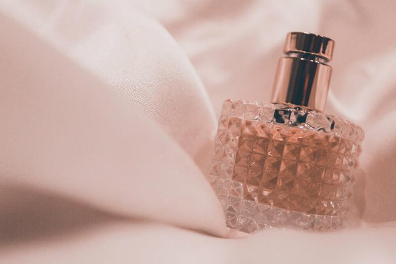 6 бюджетных женских ароматов