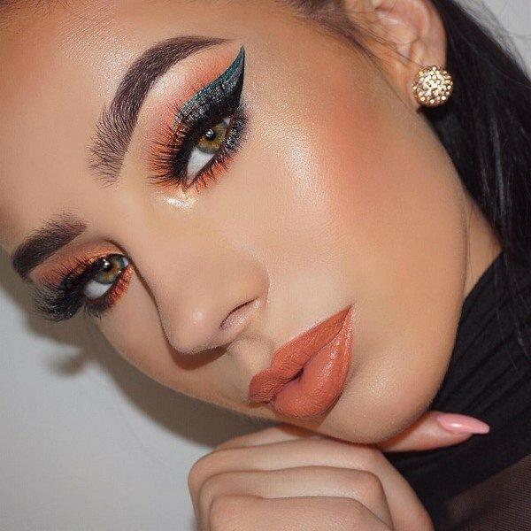 Новогодний макияж 2020 – главные тенденции и идеи