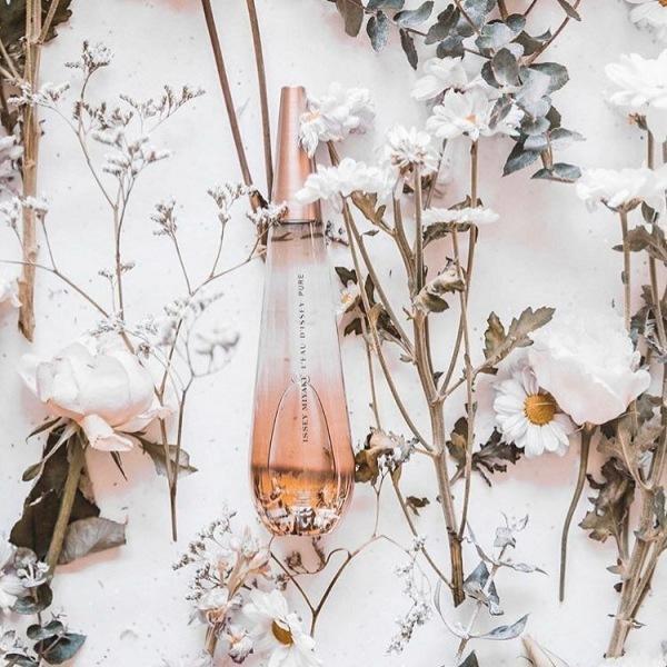 """5 медовых ароматов, которые """"согреют"""" ваш образ ранней весной"""