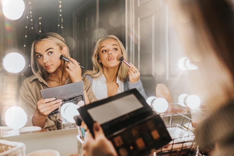10 мифов о макияже