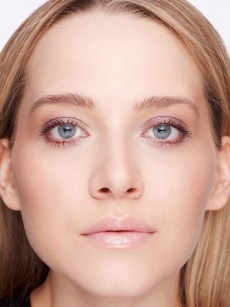 Как создать макияж с эффектом влажных губ?