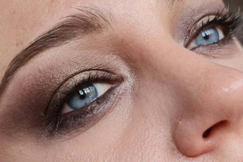 """Простой и универсальный макияж глаз """"как из салона красоты"""", который подойдет даже для дам в элегантном возрасте (для нависания)"""