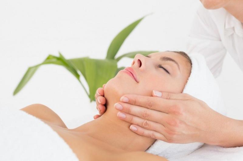 Чем полезен массаж лица? Какой массаж лица эффективнее