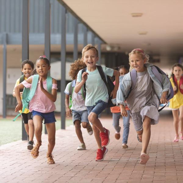 Впервые в первом классе: психологическое и физическое здоровье ребенка, на что следует обратить внимание маме первоклассника